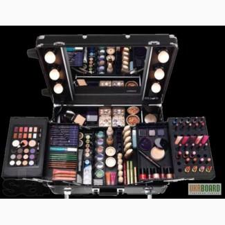 Профессиональный набор косметики для макияжа в кейсе