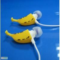 Наушники Бананы в ушах