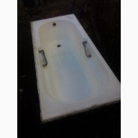 Продам ванну чугунную б/у длина- 1 метр 70 см