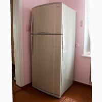Продам двухкамерный холодильник Toshiba (тошиба) GR-M 74 RD б/у