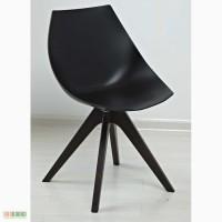 Кресло пластик Лаундж (Lounge) белое, черное, ноги дерево венге