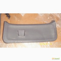 Обшивка багажной двери нижняя для Mitsubishi Colt б/у оригинал