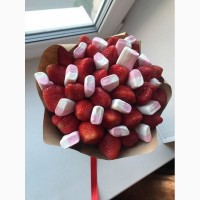 Вкусный букет Киев, букет из клубники в шоколаде, подарок девушке