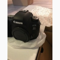 Canon EOS 6D Mark II DSLR Камера