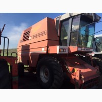Комбаин комбайн зерноуборочный Massey Ferguson 38
