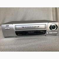 Продам видеомагнитофон JVC