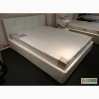Двуспальная кровать с втяжками