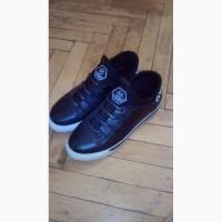 Продам кроссовки Oladi