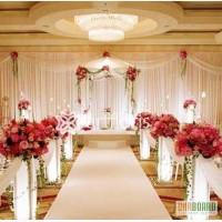 Прокат декора,стойки с цветами,арки,столик,чехлы на стулья,вазы