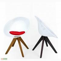 Кресло Шарм (Charme) пластик белое, ноги дерево венге.