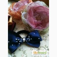 Резиночки, заколочки, брошечки или просто цветы ручной работы)