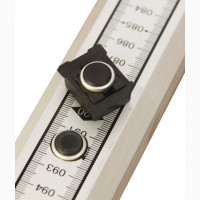 Кнопка-фиксатор для нивелирных реек