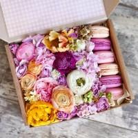 Подарок девушке на 14 февраля - сладкий набор макарунс Киев, подарок на день валентина
