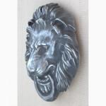 Барельеф - голова «Лев с кольцом»