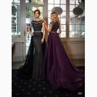 Облегающее фиолетовое вечернее платье со шлейфом