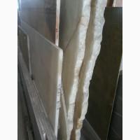 Состав нашего мрамора несколько отличается от классического. Поэтому он долговечнее