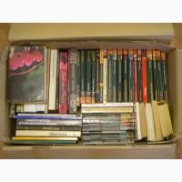 Подборка из 52 б/у книг в мягкой обложке