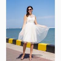 Коктейльное платье молочного цвета