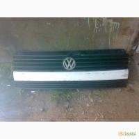 Продам оригинальную решетку радиатора VW T4