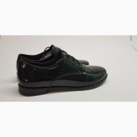Продам новые лаковые туфли(0508)