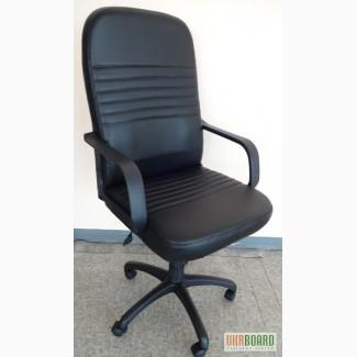 Кресло руководителя, черный кожзам