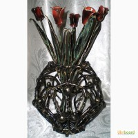 Продам шикарную вазу с букетом тюльпанов
