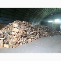 Колотые уложенные дрова твердых пород