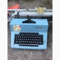 Продам пишущую машинку Лисица