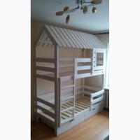 Двухярусные кровати-домики из массива дерева