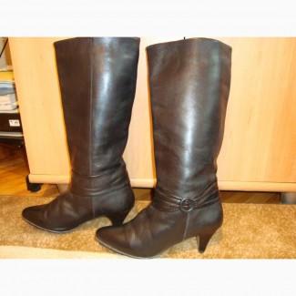 Продам по смешной цене кожаные жнские сапоги