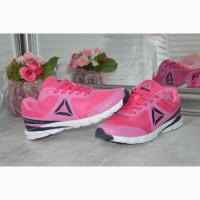 Яркие женские кроссовки Reebok