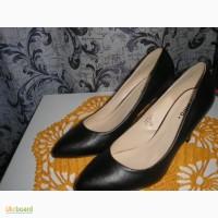 Продам новые туфли женские классика