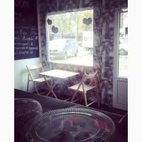 Продам мебель б/у для кофейни