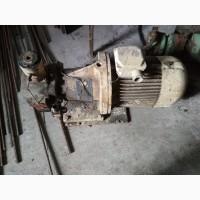 Насос с электродвигателем на шлифовальный станок