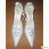 Туфли белые свадебные. Дешево