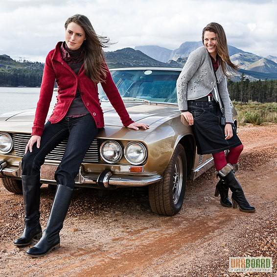 Стоковий та брендовий одяг та взуття