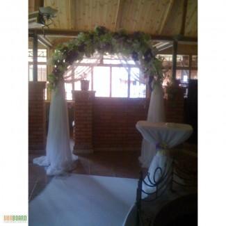 Украшение свадебного зала,аренда чехла на стул,прокат арки на свадьбу.Киев