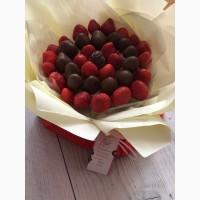 Съедобный букет из клубники заказать в Киеве срочно