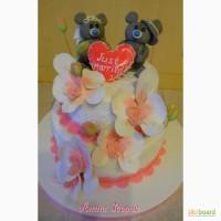 Свадебный 2-х ярусный торт Just Married с мишками Тедди и сердцем