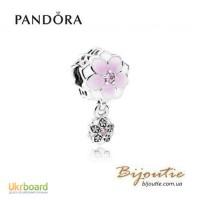 PANDORA шарм-подвеска ― цветок магнолии 792077PCZ