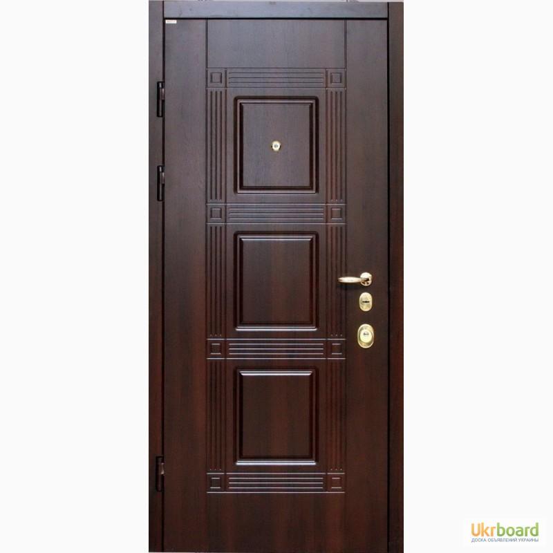 входные двери с полосами