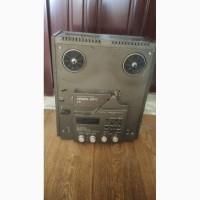 Продам б/у магнитофон