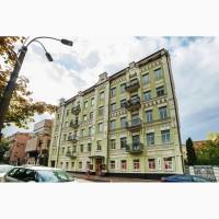 Сдается в аренду большая квартира в историческом центре Киева на ул. Рейтарская