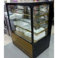Витрина холодильная кондитерская Cube новая со склада в Киеве