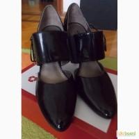 Лаковые туфли Queen